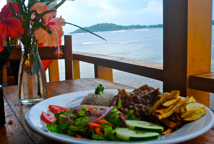 3 Places to Eat in Bocas del Toro with a View